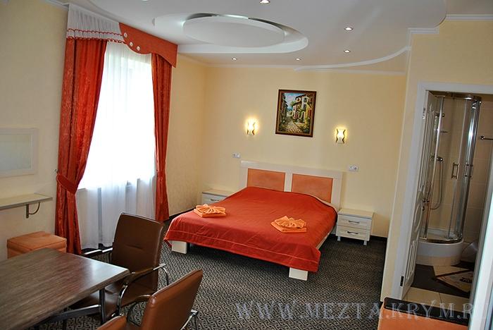 Номер 2 однокомнатный полулюкс - Алушта гостиница Мечта