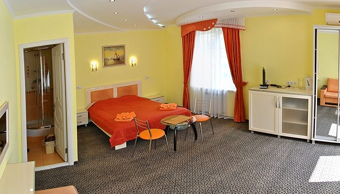 Номер 3 полулюкс - Алушта гостиница Мечта